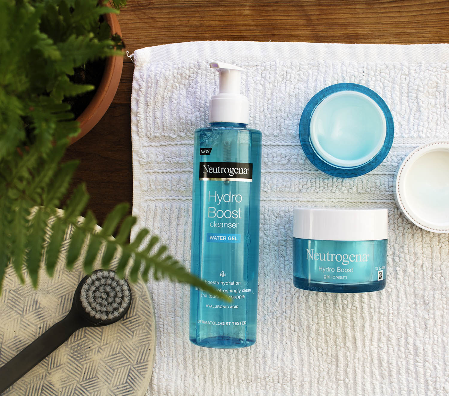 About Oily Skin, Hydration & Hyaluronic Acid | 9Lives