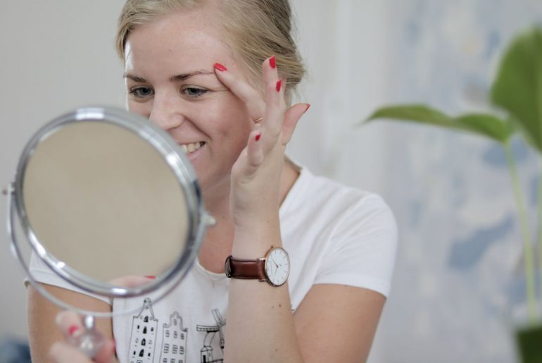 how-to-tint-eyebrows